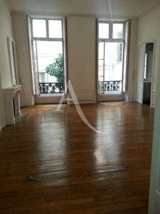 Duplex d'exception de 141 m2 avec cour privative - ODEON